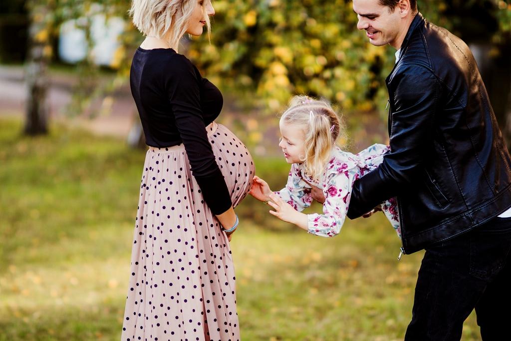 Rodzina to siła, sesja ciążowa rodzinna Szczecin