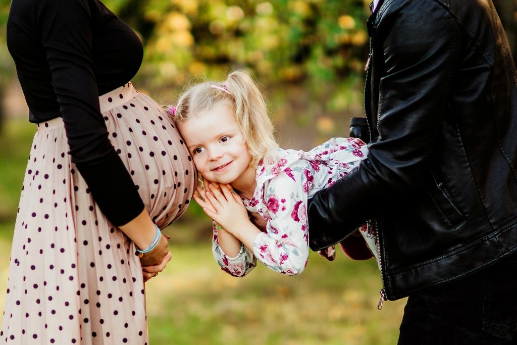 starsza siostra, sesja rodzinno ciążowa w Szczecinie