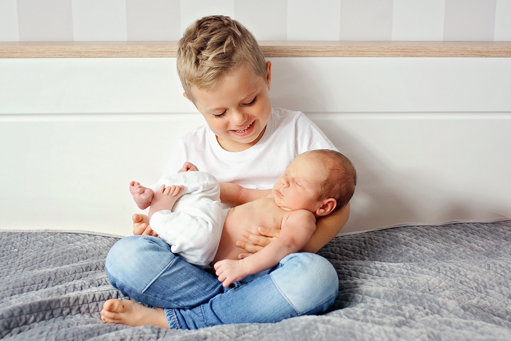 bracia sesja noworodkowa