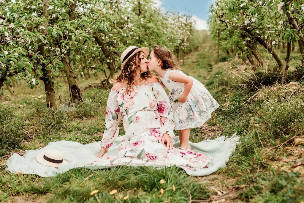 Sesja rodzinna w sadzie, sad jabłkowy Szczecin