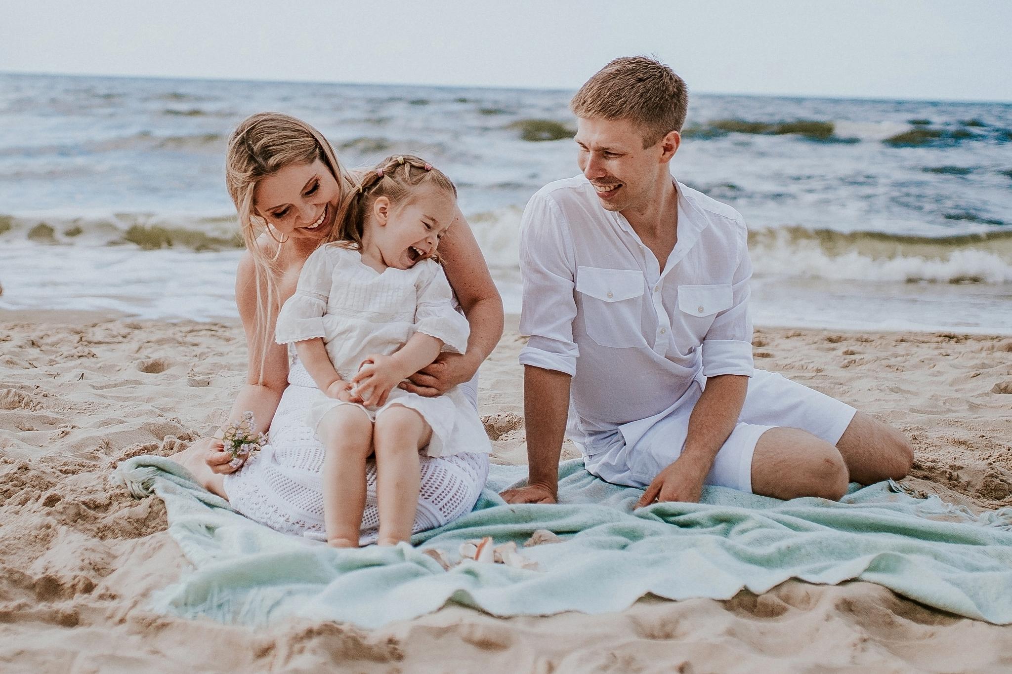 Fotografia rodzinna, sesja zdjęciowa rodzinna nad morzem