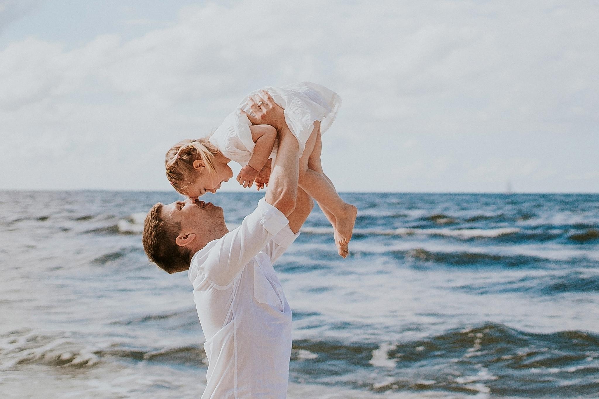 fotografia rodzinna sesja zdjęciowa nad morzem